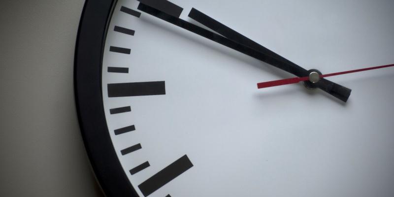 clock-wall-closeup